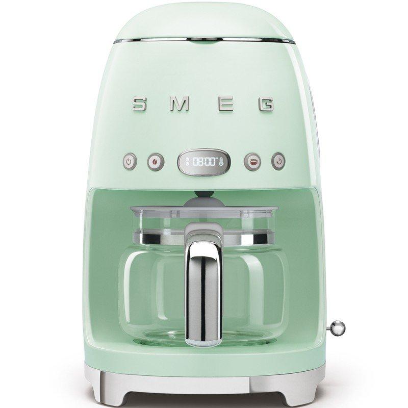 Logica d'arredo: piccoli elettrodomestici SMEG - macchina caffè americano